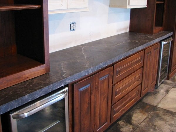 Veined Charcoal Concrete Kitchen Counter with Integral Sink