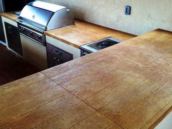 Stained Wood Plank Outdoor Grill Concrete Counter Top